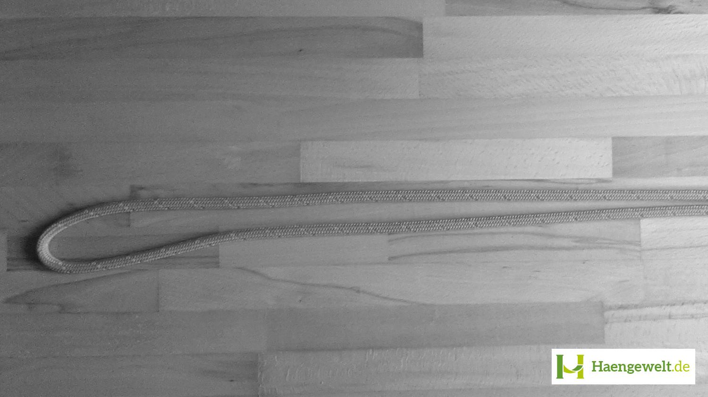 Hier ist ein gelegter Doppelter Achter Hängematten Knoten zu sehen